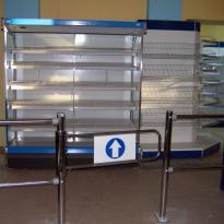 Вход в магазин - система ограждения